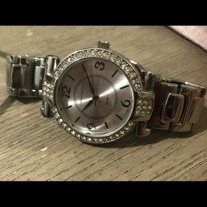 Nice!Women's silver-Tone Bracelet/watch! Worn 1x
